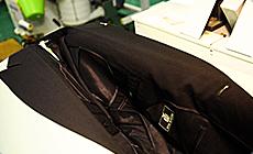 こだわり3 大手アパレルが採用するプレス機を使用。衿をピシッ!と仕上げます。