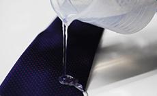 こだわり5 ネクタイは全品はっ水加工付き!